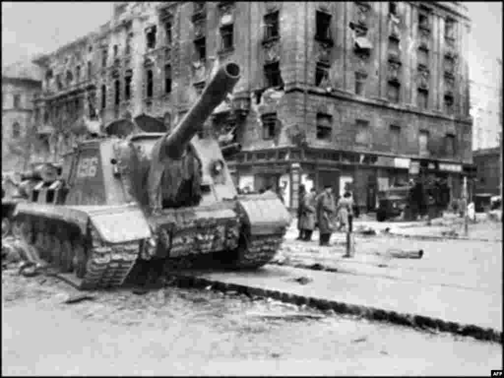 A Soviet Red Army tank in downtown Budapest on November 12, 1956 (AFP) - In October and November 1956, Hungarians rose up against the Soviet domination of their country. Several thousand Hungarians and an estimated 750 Soviet troops were killed in the fighting. Some 200,000 Hungarians fled the country, while some 13,000 were imprisoned for their role in the unsuccessful uprising.