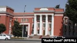 Здание парламента Таджикистана.