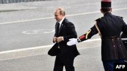 Путин дар Порис