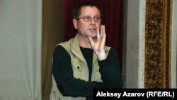 Журналист әрі құқық қорғаушы Сергей Дуванов. Алматы, 27 ақпан 2014 жыл.