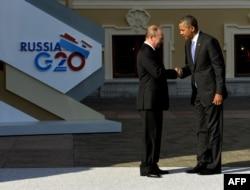 Президент России Владимир Путин приветствует президента США Барака Обаму. Санкт-Петербург, 5 сентября 2013 года.