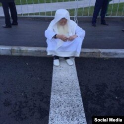 Жапония мүфтиі Нигматулла Халил Ибрагим Мәскеуде ұзақ жөндеуден өткен мешіттің қайта ашылу рәсімінде. Ресей, 23 қыркүйек 2015 жыл.