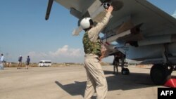 На авиабазе Хмеймим в сирийской провинции Латакия. 5 октября 2015 года.