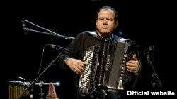 Всемирно известный аккордеонист Ричард Галлиано