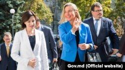 Şefa politicii externe europene, Federica Mogherini, şi prim-ministra Maia Sandu. 3 octombrie 2019
