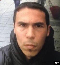 Селфи фото предпологаемого исполнителя теракта в стамбульском ночном клубе Reina, в котором погибло 39 человек