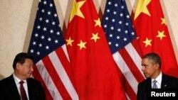 Президент США Барак Обама (справа) и президент Китая Си Цзиньпин.