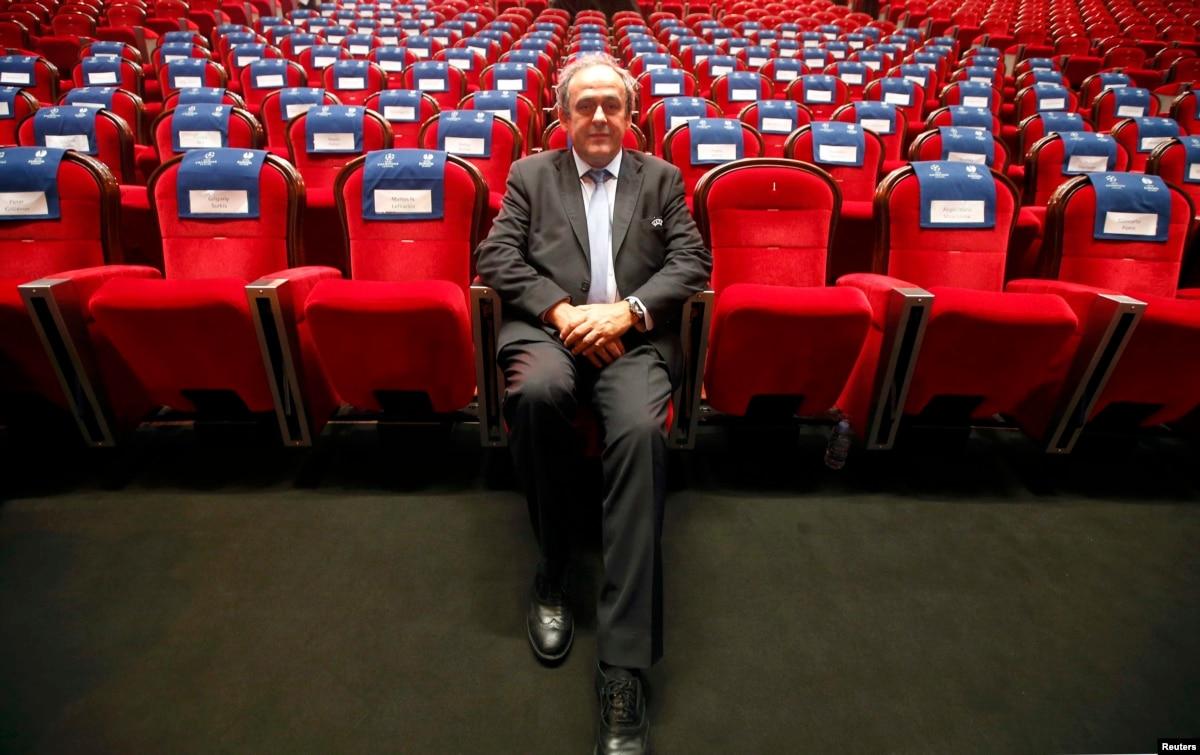 Экс-президент Франции предстанет перед судом по обвинению в коррупции