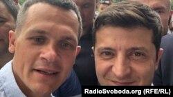 Председатель Харьковской ОГА Алексей Кучер (л) и президент Украины Владимир Зеленский (п)