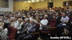 Татарстан язучылары корылтаенда катнашучылар