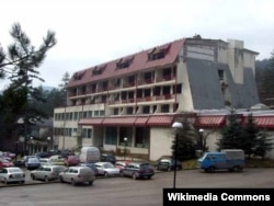"""""""Banja 'Vilina Vlas', inače rehabilitacioni centar, pretvoren je u ženski logor u koji su dovođene žene i djevojčice koje su sistematski maltretirane"""", stoji u presudi Željku Leleku"""