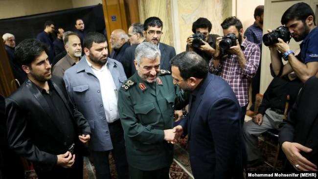حضور فرمانده کل سپاه در مراسم ختم مادر مدیرعامل پیشین خبرگزاری فارس