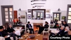 افغان سفیر جانان موسی زی د پاکستان تحریک انصاف ګوند له مشر عمران خان سره د ملاقات پرمهال