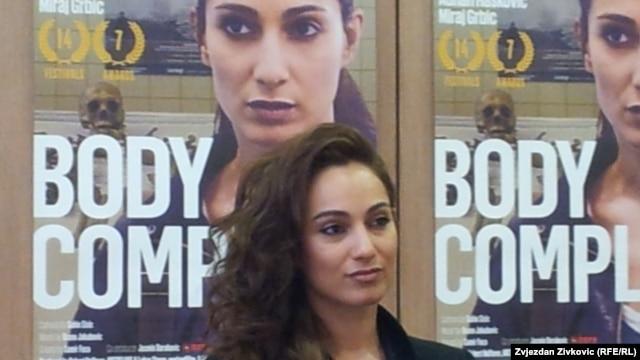 Glavnu ulogu u filmu ostvarila je Asli Bayram