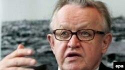 Martti Ahtisaari, pe vremea când era negociator ONU în Kosovo, noiembrie 2005