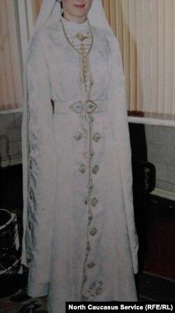 Национальное черкесское женское платье (сае)
