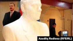 Arxiv foto: 2010-cu il parlament seçkiləri