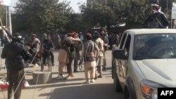 Таліби на вулицях Кундуза, Афганістан, 29 вересня 2015 року