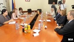 Вицепремиерката за европски прашања Теута Арифи се сретна со поранешните носители на истата функција