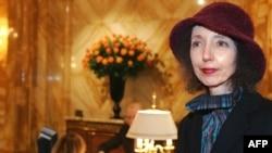 Joyce Carol Oates la Paris, noiembrie 2005.