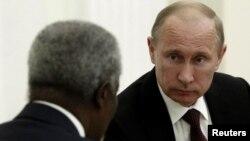 Sastanak Vladimira Putina i Kofija Anana