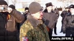 Уфада протест чарасын антимайданчылар полиция белән бергә торып күзәтә