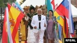 На открытии 7-го кинофестиваля «Звезды Шакена». Алматы, 20 мая 2009 года. Иллюстративное фото.