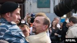 Лев Пономарев на митинге оппозиции в Москве