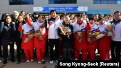 Sportisti Severne Koreje u Jinčeonu, u Južnoj Koreji