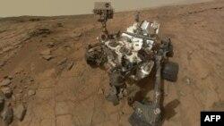 АКШнын космостук агенттиги-НАСАнын Марс жүргүсү- Curiosity Кызыл планетанын бетинде. 3-февраль 2013.