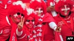 هواداران تیم ملی فوتبال سوئیس.