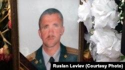Могила российского военнослужащего Сергея Чупова, возможно, погибшего в Сирии