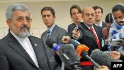 علیاصغر سلطانیه (چپ)، نماینده ایران در آژانس انرژی اتمی