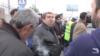 Նախկին հանրապետական պատգամավոր Առաքել Մովսիսյանի հրահանգով փակվել էր Էջմիածնից Երևան եկող ճանապարհը