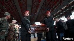 Sa sahrane ubijenih u Kumanovu, Priština, 26. maj 2015.