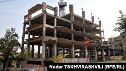 Тбилисские власти предлагают ужесточить наказание для злостных нарушителей в строительной сфере