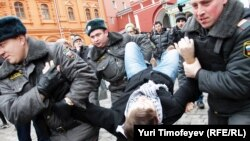 """Задержание на акции """"Белая площадь"""""""