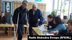 50-годишниот Томислав Бошевски на гласање во Битола.