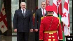 Ганаровая варта сустракае Аляксандра Лукашэнку і Георгія Маргвелашвілі