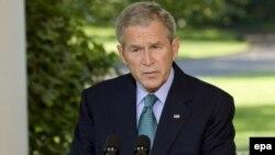 جرج بوش، رييس جمهور آمريکا، می گوید برنامه هسته ای ایران تهدیدی برای صلح جهانی است. عکس از: epa