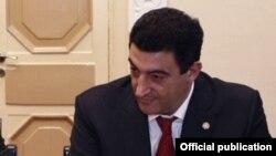 Экс-министр охраны природы, а ныне председатель парламентской комиссси по экономическим вопросам Вартан Айвазян