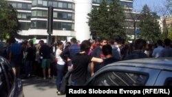 Протест на средношколците пред МОН, 23 април 2015.