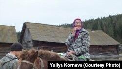 Zoya Topakova gets around on horseback.