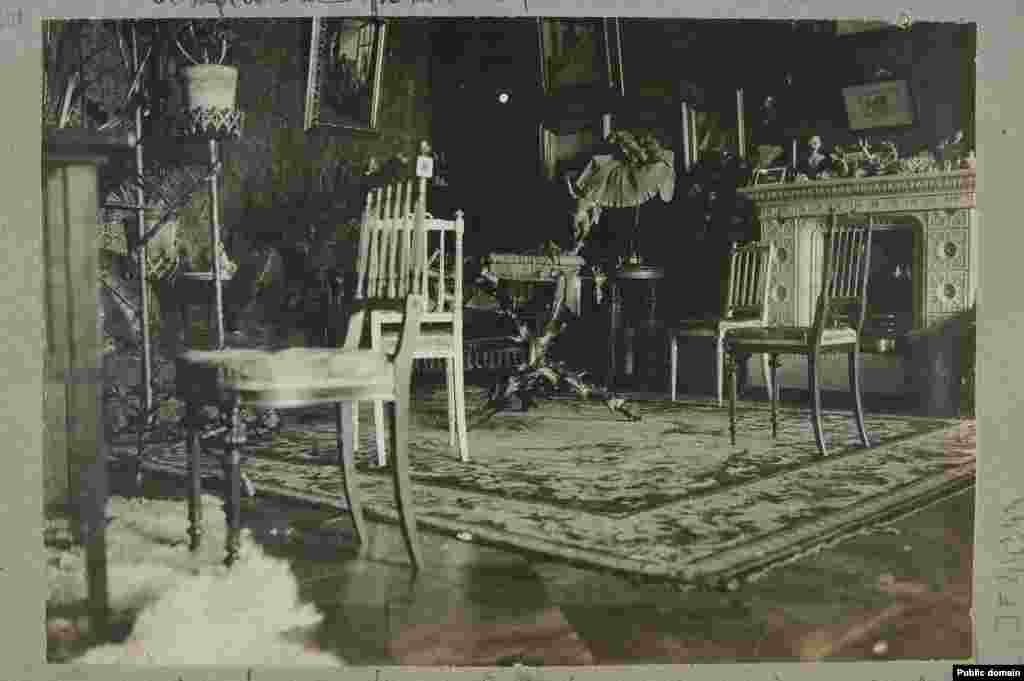 Унутры палацу ў Беліцы