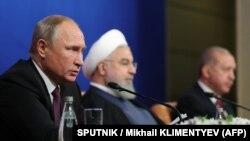 Presidenti i Rusisë, Vladimir Putin, Presidenti i Iranit, Hassan Rouhani dhe ai i Turqisë, Recep Taip Erdogan