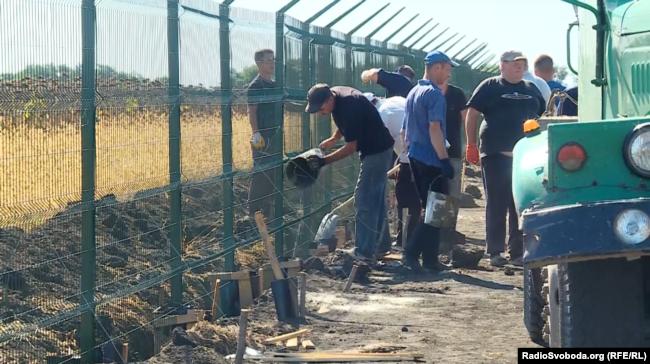 Будівництво проекту «Стіна»