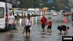 ДСНС: підтоплення спостерігалися в трьох районах Києва