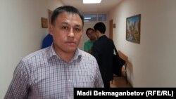 Гражданский активист Айдын Егеубаев в день суда против него. Астана, 27 сентября 2016 года.