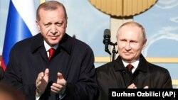Реджеп Тайїп Ердоган і Володимир Путін в Анкарі, Туреччина, 3 квітня 2018 року