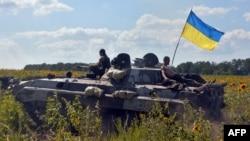 Украинская армия под деревней Николаевка вблизи Славянска. 6 июля 2014 года